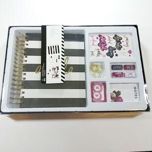 Heidi Swapp Memory 930 Piece Planner